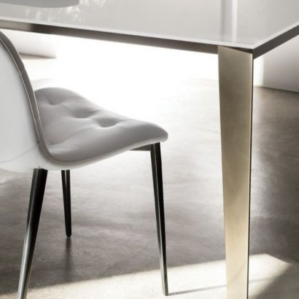Cruz Melamine extending dining table