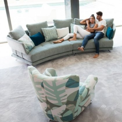 Fama Pacific 4 seater curved W sofa