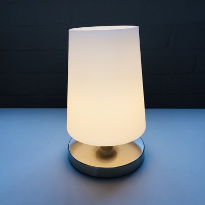 Sonjas steel touch table light