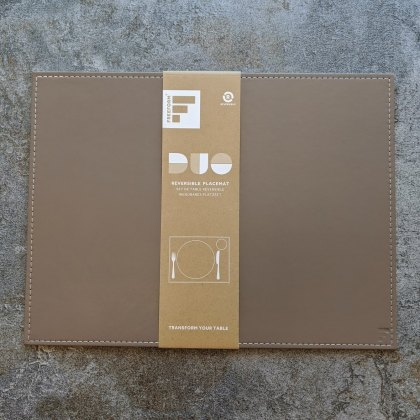 Reversible placemat rectangle taupe/cream