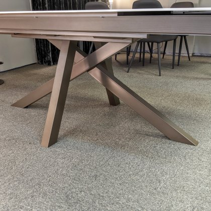 Madrid dekton dining table