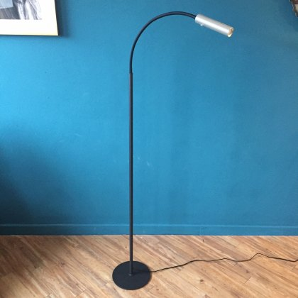 Pinet steel floor light