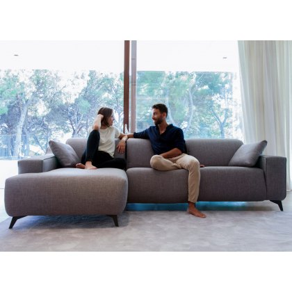 Fama Baltia 2 seater medium with left chaise & dune arms