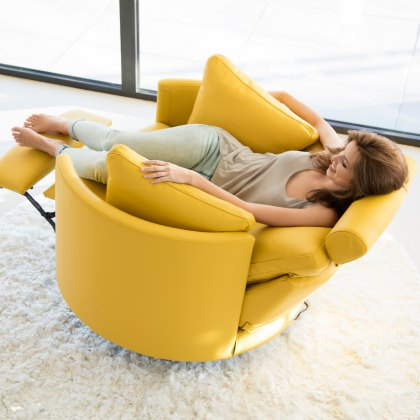 Fama Moon leather manual recliner armchair