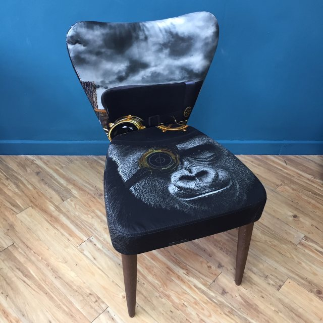 Fama Ginger chair covered in Gorilla