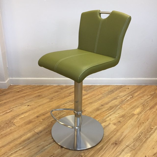 Hemer adjustable height barstool