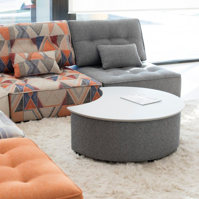 Fama coffee table