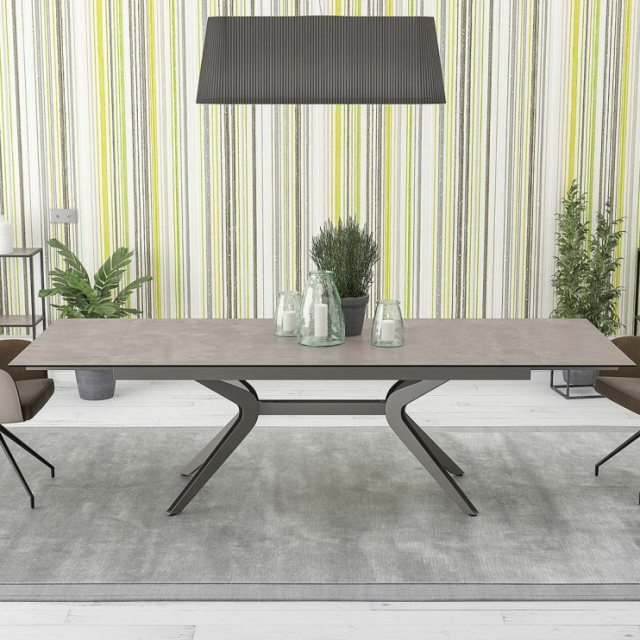 Julia Jones Issoire Dining Table