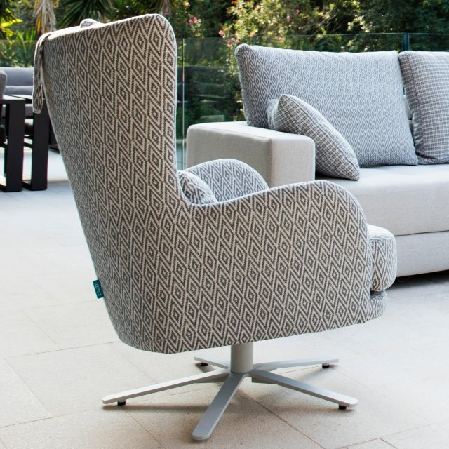 Fama Kylian swivel modern chair