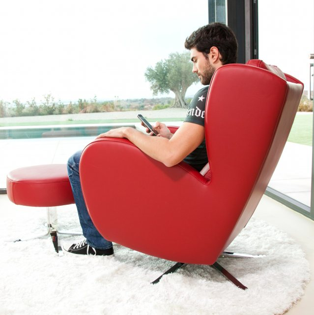 Fama Romeo leather chair with footstool