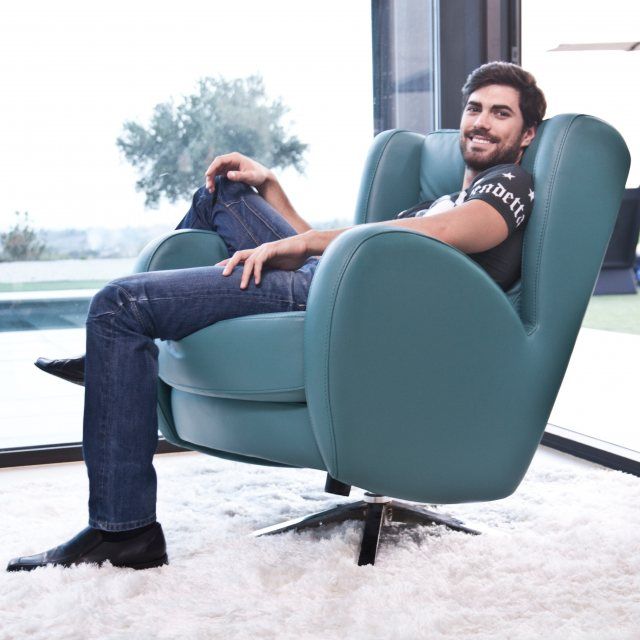 Fama Romeo leather chair