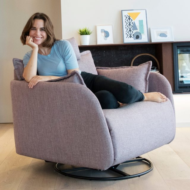 Fama Eva XL swivel recliner